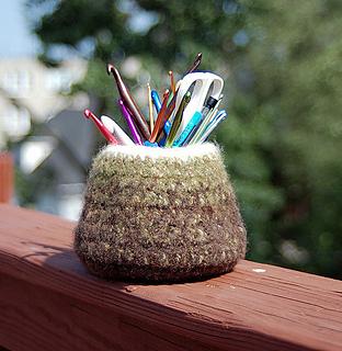Felted Hook Vase pattern by Meg Kealey (Myers)