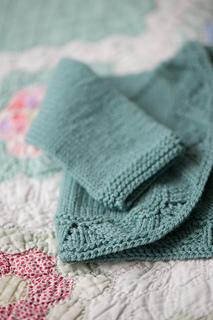 Quince-co-mae-melissa-labarre-knitting-pattern-chickadee-2_small2
