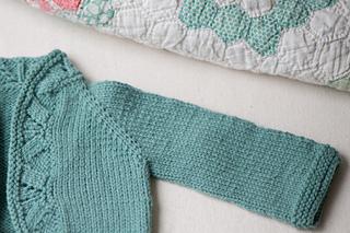 Quince-co-mae-melissa-labarre-knitting-pattern-chickadee-5_small2