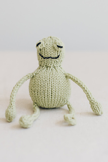 Quince-co-string-along-toys-susan-anderson-knitting-pattern-lark-5_small2