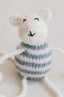 Quince-co-string-along-toys-susan-anderson-knitting-pattern-lark-8_small2