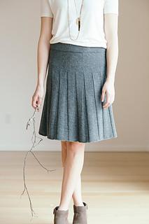Quince-co-tavia-ann-budd-knitting-pattern-finch-2_small2