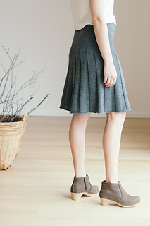 Quince-co-tavia-ann-budd-knitting-pattern-finch-3_small2