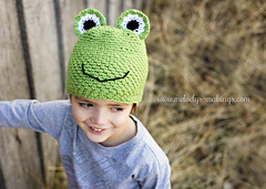 Frog_hat_crochet_small