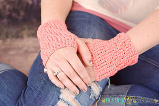 Fingerless-gloves-crochet-pattern_small2