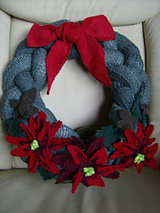 Wreath_poins_small