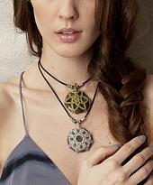 Vkcro12_jewelry_05rav_small_best_fit