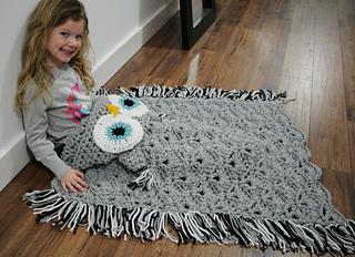 Hooded_owl_blanket_6_small2