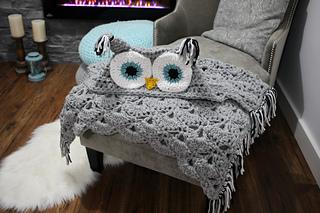Hooded_owl_blanket_1_small2