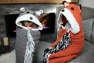 Ravelry Bulky Amp Quick Fox Wolf Blanket Pattern By Mj S
