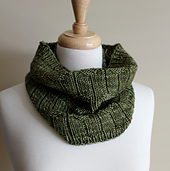 Diamond_purl_cowl_rolled_small_best_fit