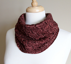 Honeycomb_eyelet_cowl_rolled_small
