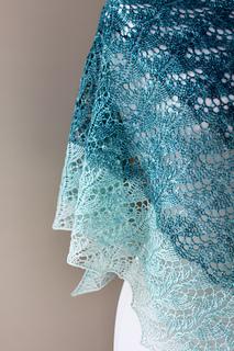 Cloudy_skies_shawl_lace_small2