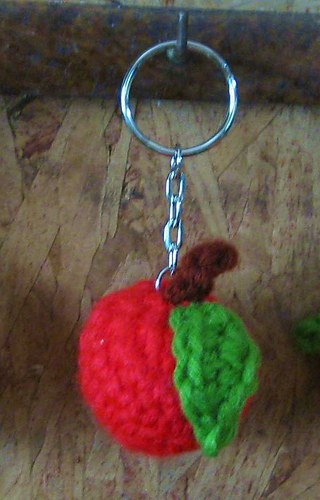 Crochetapplekeychain_medium