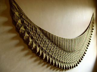 Lin-Lin Shawl pattern by Yoko Johnston