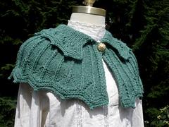 Green_capelet_oblique_view_small