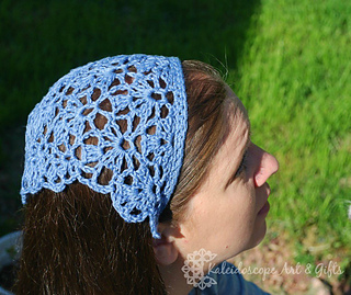Lovely_lily_kerchief-susanne-watermarked_small2
