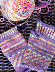 Colorwork_mitts_small