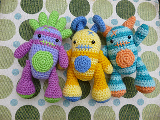 Amigurumi Monster Pattern Free Crochet : Ravelry mini monsters amigurumi pattern by moji moji design