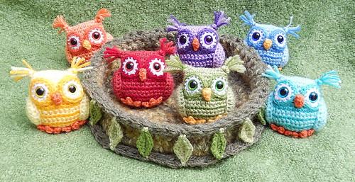 Ravelry Nesting Rainbow Owls Pattern By Moji Moji Design