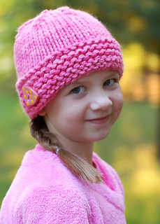 Malabrigo_super_bulky_button_hat_1_small2
