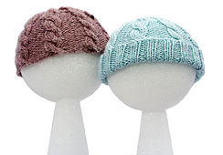 Ns2-baby-cabled-hats_mg_2184_small_best_fit