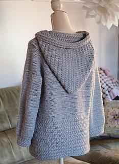 846a30cd5 Ravelry  Mama Bear Hooded Cardigan pattern by Mon Petit Violon