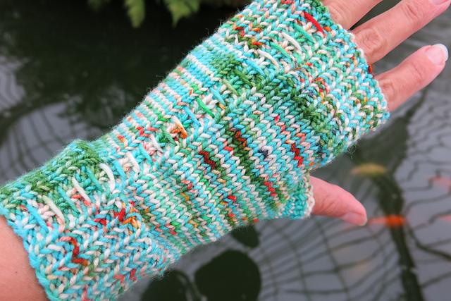 Stitch Up Mitts