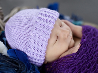 Plain_purple_hat_1_small2