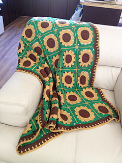 Ravelry Sassy Sunflower Afghan Pattern By Mccall Pattern