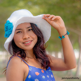 Beginner_wide_brim_crochet_sun_hat_tutorial_by_jennyandteddy_small2