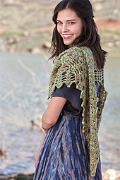 Sea-shells-shawlette-model_small_best_fit