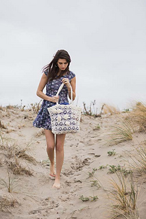 Beach-rose-tote-crochet-pattern_small2