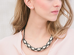 Sophisticate_necklace_closer_view_small