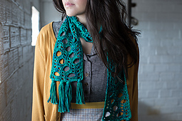 Fizz_scarf_detail_shot_small_best_fit