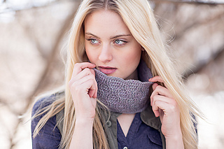 Rivulet_cowl_crochet_pattern_small2