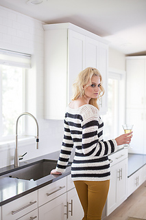 Jailhouse_rock_pullover_back_small2