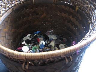 Buttonsbasket_small2