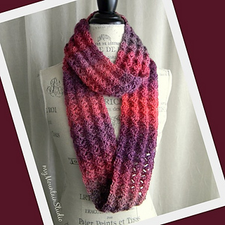 Free Irish Knitting Patterns : Ravelry: Unforgettable Infinity Scarf Cowl pattern by Nikki Weiss