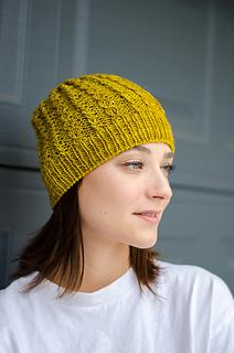 ae787f770837c Ravelry  Amber Twist Hat pattern by Natalya1905