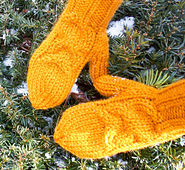Chunky_owl_mitten_2_crop_small_best_fit