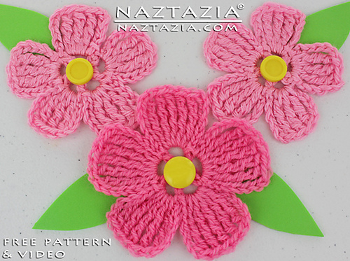 Ravelry Large Petal Crochet Flower Pattern By Naztazia