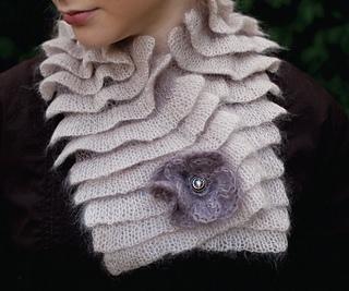Pleated_scarf2_300dpi_small2