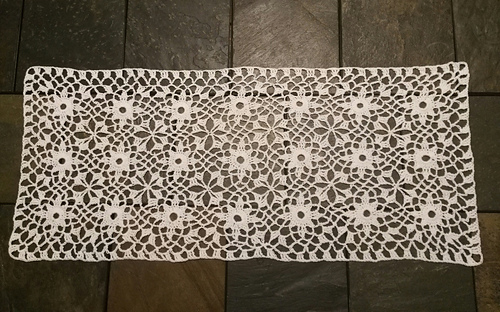 Ravelry Starburst Table Runner pattern by Coats Design Team Stunning Crochet Table Runner Patterns