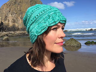 77c995d209e Ravelry  Aurora Hat pattern by Nona Davenport
