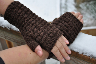 Ravelry: Waffle Knit Mitts pattern by Nona Davenport