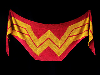 Wonder_woman_shawl1_small2