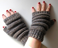 Prism_beehive_accordion_mitts_small_best_fit