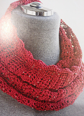 Red_beaded_cowl_1_small