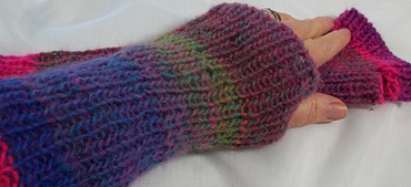 Simple_ribbed_armwarmers_small_best_fit